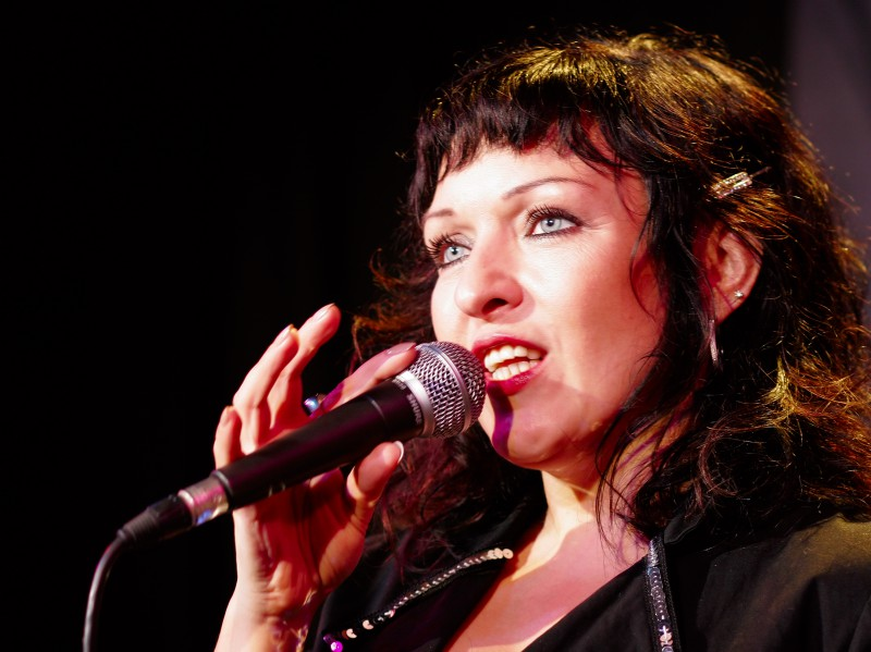 Russische Sängerin singt auf Ihrer Hochzeit und Trauung